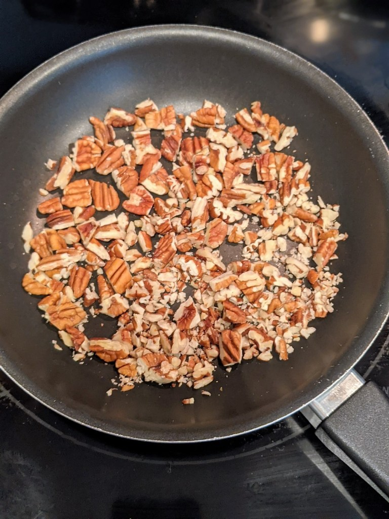 pan with pecans