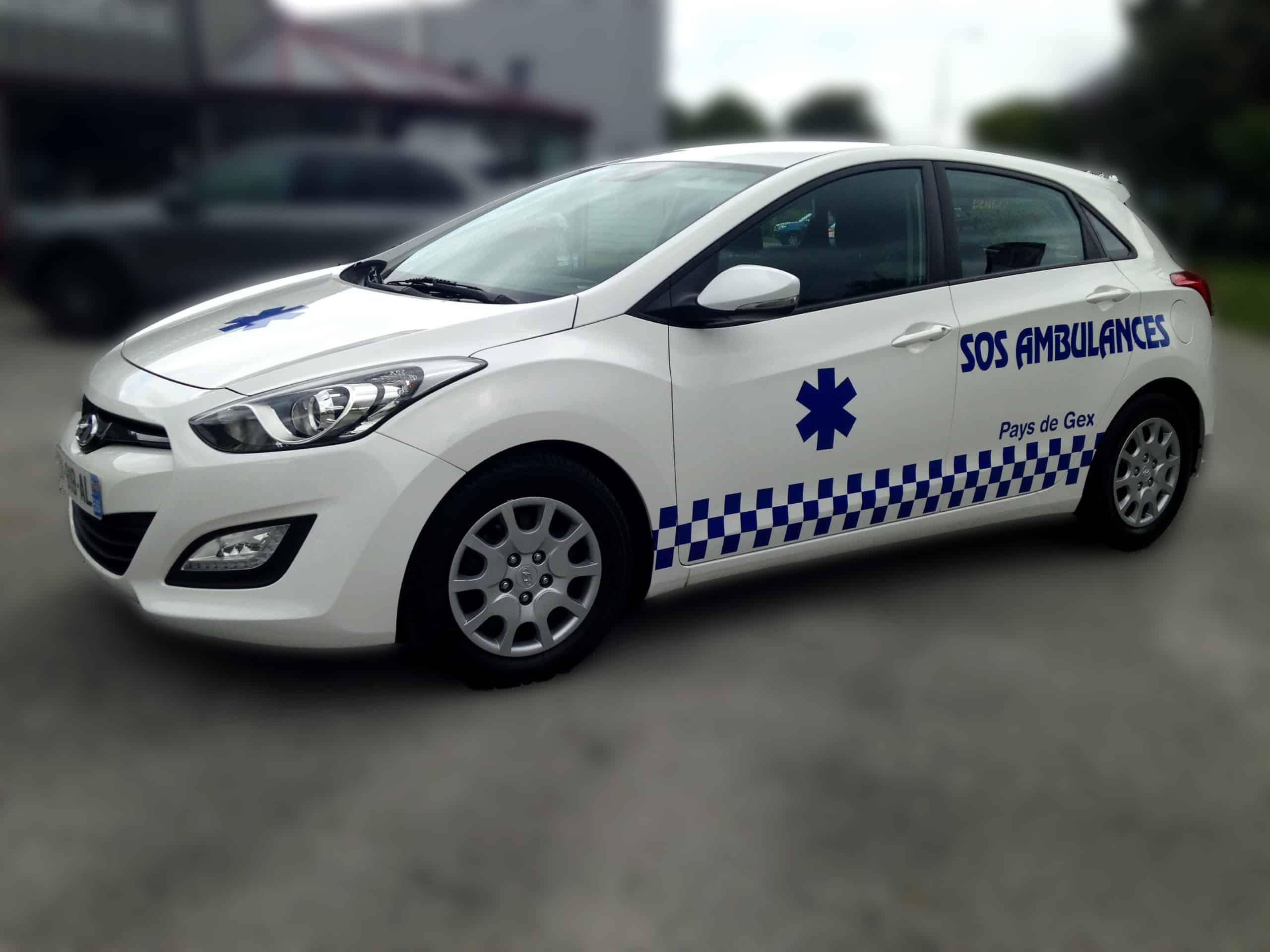 SOS Ambulances - Marquage en adhésif de découpe