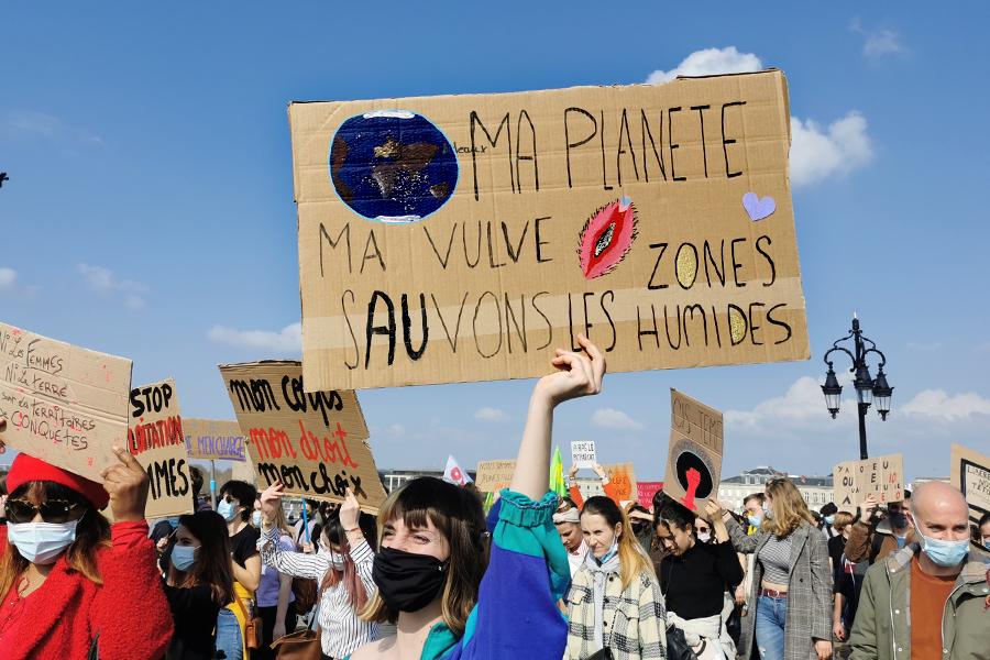 Ecoféminismes : quand l'écologie rencontre les combats pour les droits des femmes