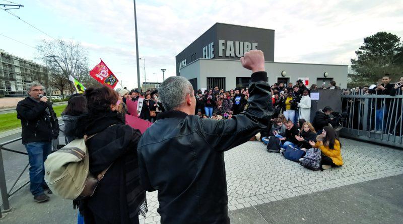 Lormont, professeurs et élèves unis contre la réforme du bac