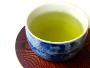 鉄の吸収をタンニン酸はお茶に含まれる