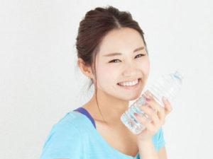 飲み水として必要な水分量は1日に約1リットル