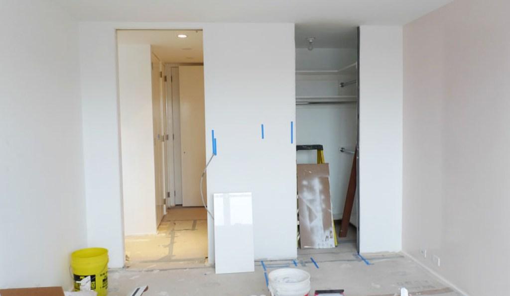 Bedroom tall doors Schneider Improvised Life