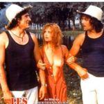"""Affiche du film les valseuses - Grappelli joue le morceau """"ballade"""" au violon"""