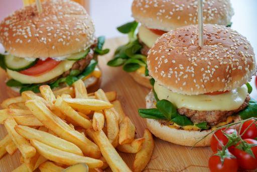 les aliments à éviter pour perdre du poids, les fasts food
