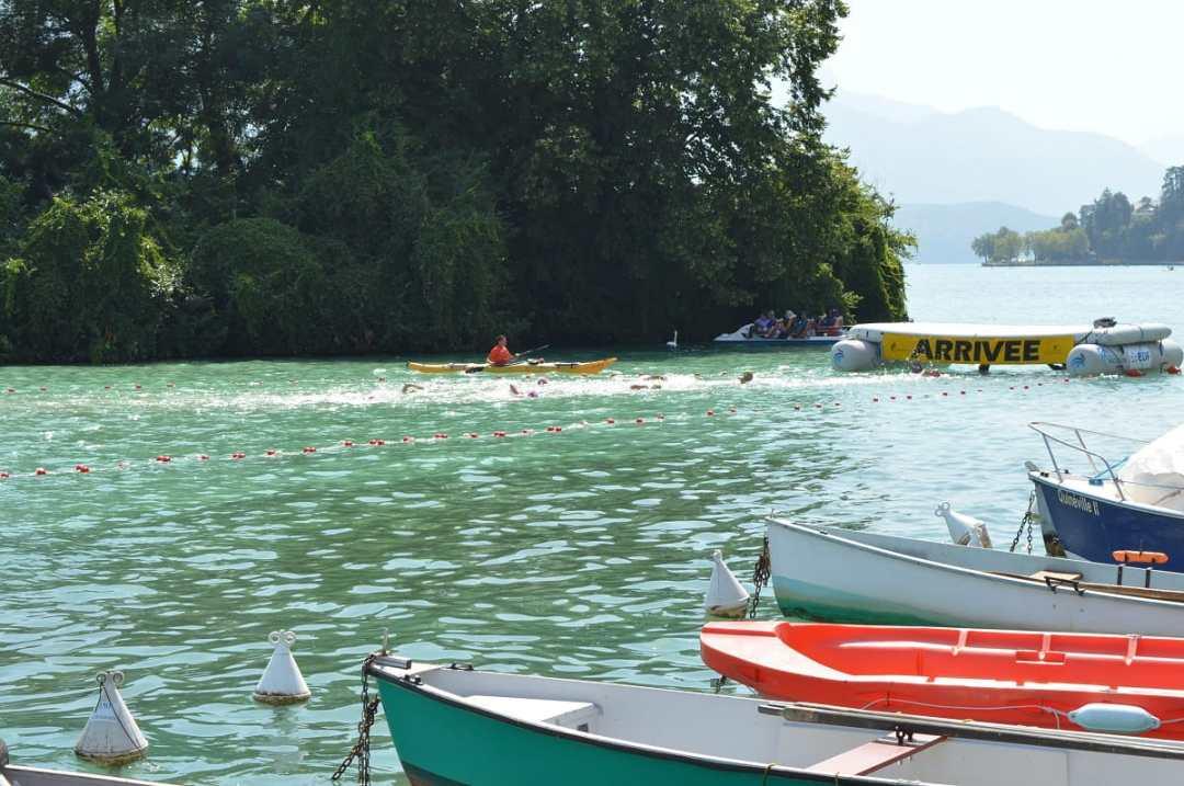 comment nager en eau libre en compétition