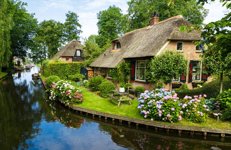 giethoorn nizozemska 11 - Putovanja u Evropi: Mala romantična sela i gradovi za kraći izlet (FOTO)