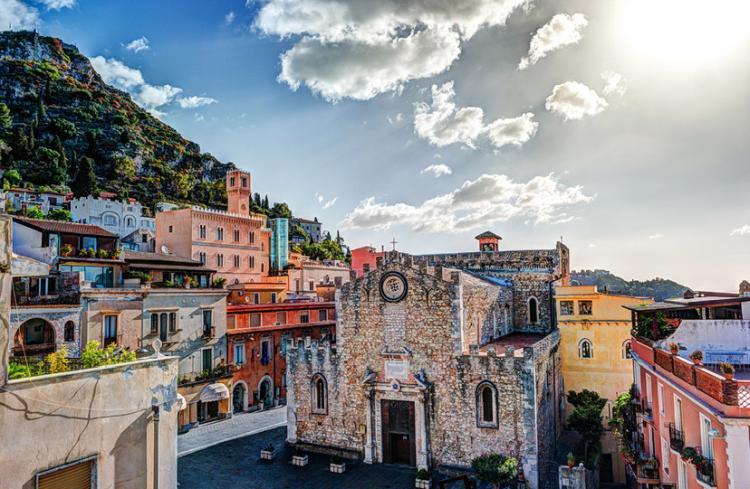 taormina italija 05 - Putovanja u Evropi: Mala romantična sela i gradovi za kraći izlet (FOTO)