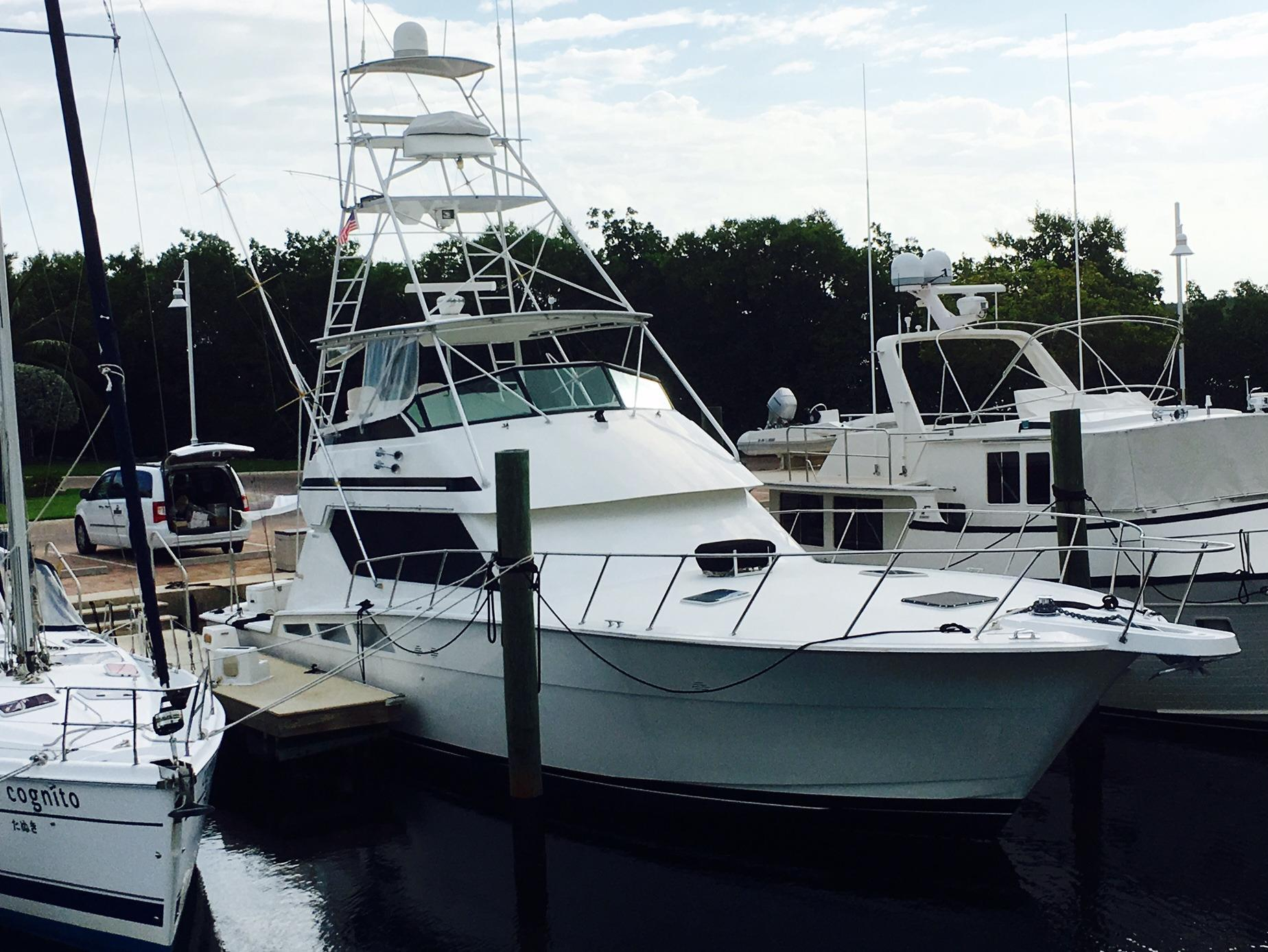 1995 Hatteras 54 Convertible For Sale