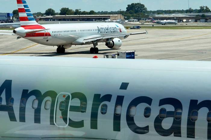 Plane Makes An Emergency Landing In New York