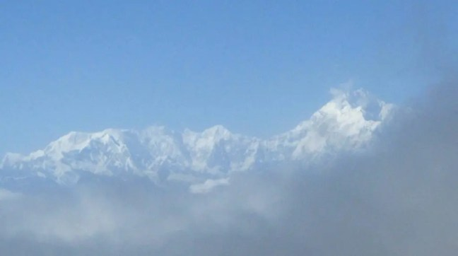 Snow clad mountains of the Himalayan range - A road trip from Gangtok to Nathula at an altitude of 14,400 feet