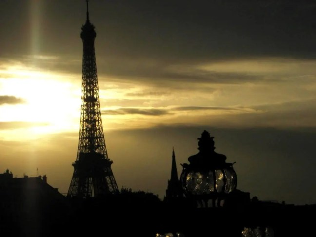 Travel and the nostalgia of first love - Paris