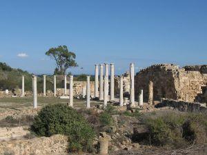 Πωλείται κομμάτι μαρμάρινου δαπέδου αρχαίου γυμναστηρίου Σαλαμίνας στο e-bay