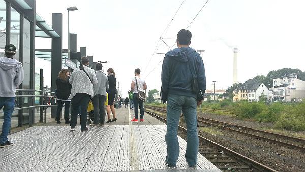 Am S-Bahnhof ist mal wieder Geduld angesagt.