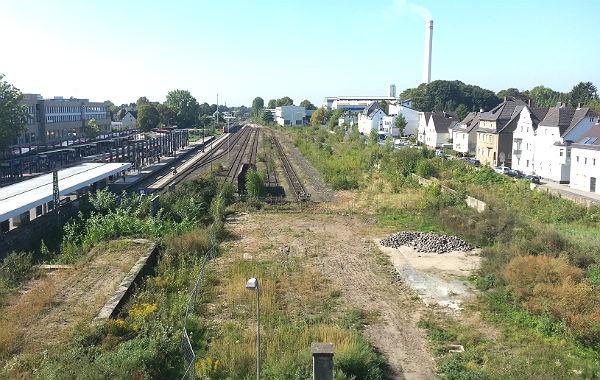 Das Kopfgrundstück. Links Stationsstraße, S-Bahnhof, rechts die Jakobstraße.
