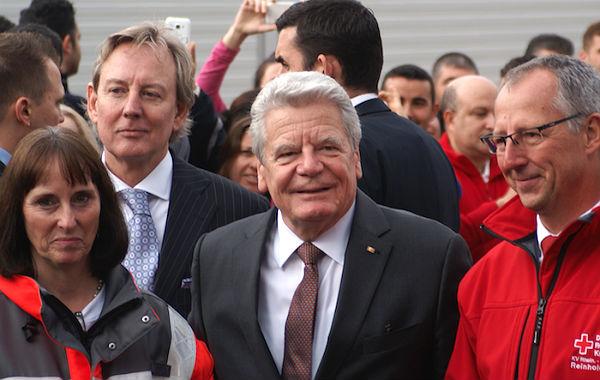 Präsident Gauck mit DRK-Kreisvorsitzende Ingeborg Schmidt und DRK-Geschäftsführer Reinhold Feistl