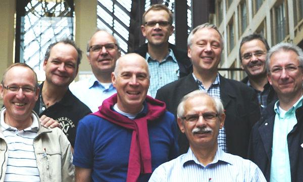 Eine Gruppe engagierter Männer kümmert sich um die Jo-BaR der Gemeinde St. Johann Baptist in Bergisch Gladbach-Refrath