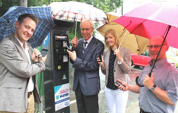 Philipp Zimmermann (smart parking) Peter Widdenhöfer; Annika Hansen (Yellowbrick), Projektkoordinator Hans-Georg Wolf