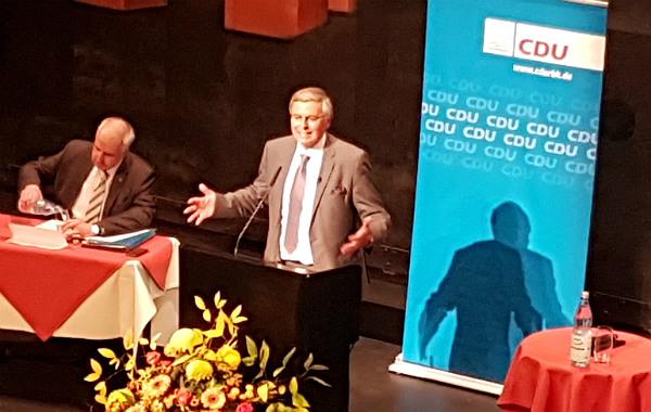 Wolfgang Bosbach bedankt sich bei der CDU-Basis für Unterstützung und Vertrauen in sechs Wahlkämpfen