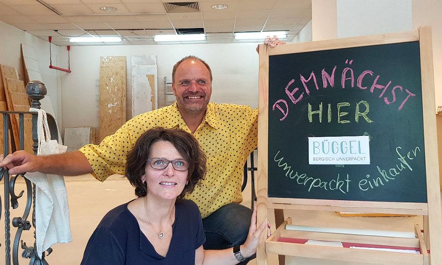 """Stefanie Marx-Bleikertz und Oliver Bleikertz eröffnen in Bergisch Gladbach das Geschäft""""BÜGGEL - bergisch unverpackt"""""""