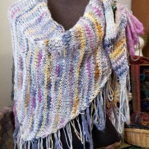 Multi colored textured self fringing shawl