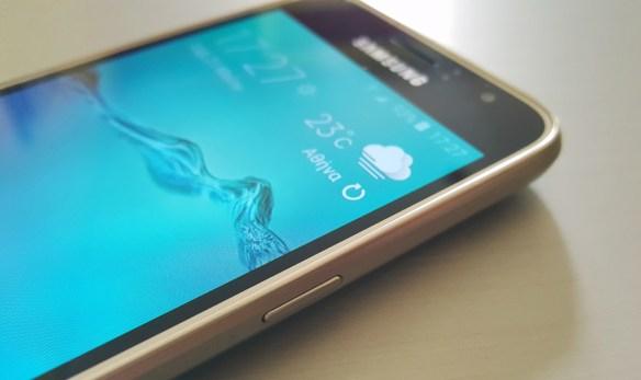 Samsung Galaxy J1 2016 ( SM-J120F ) Review: Απλότητα και χαμηλή τιμή