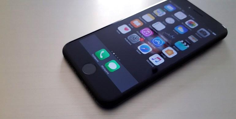 Apple: Θέλει να κατασκευάσει τις δικές της OLED οθόνες
