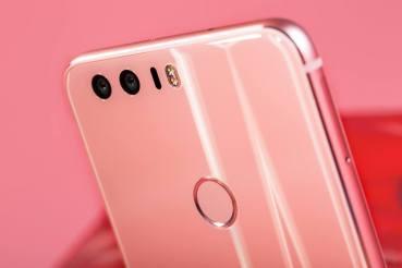 Το Honor 8 Pink είναι η πιο γυναικεία πρόταση σε smartphone