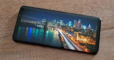Η Samsung παρουσίασε AMOLED οθόνη που δεν … σπάει