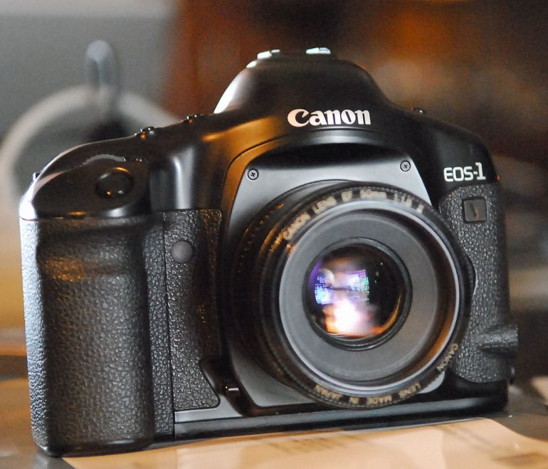 Η Canon σταματά τις φωτογραφικές μηχανές με φιλμ