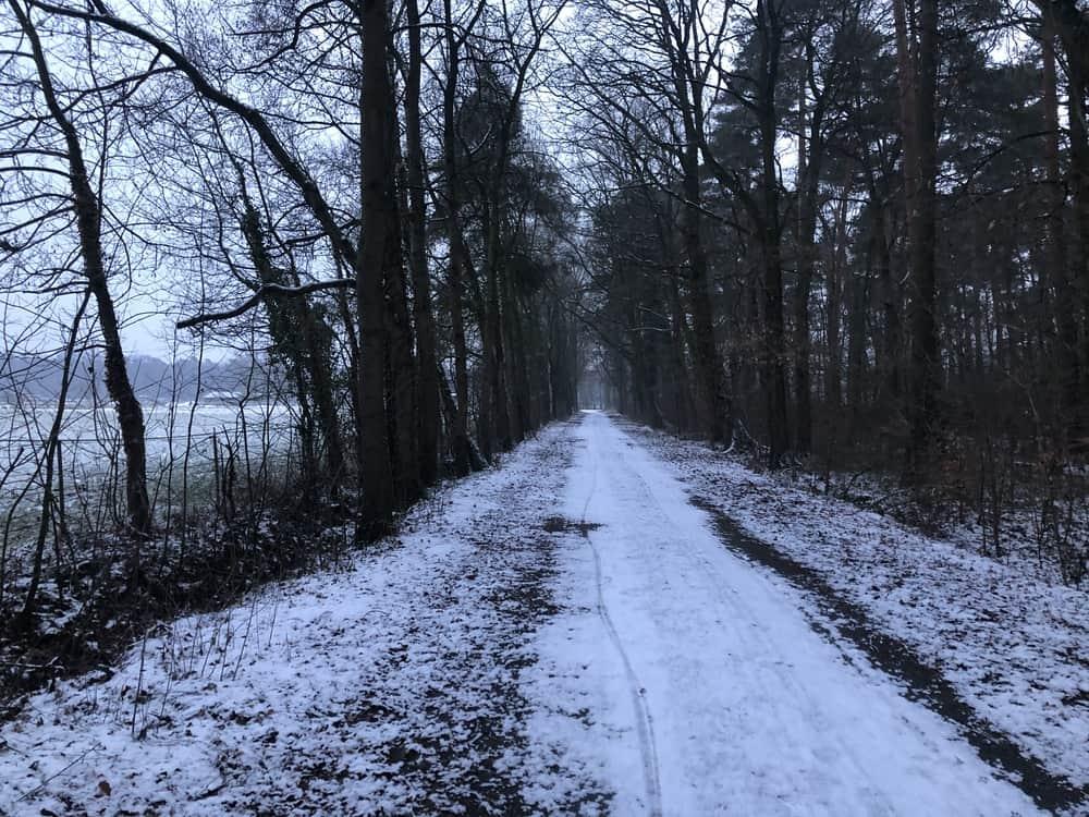 Laufen im Schnee: Atmen, Stabilität und Meditation