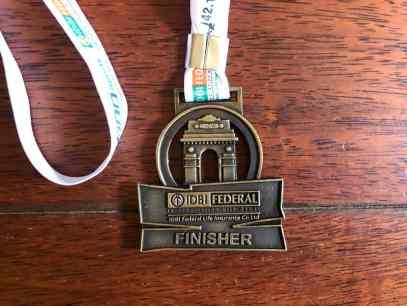Rückseite Medaille Neu Delhi Marathon 2019