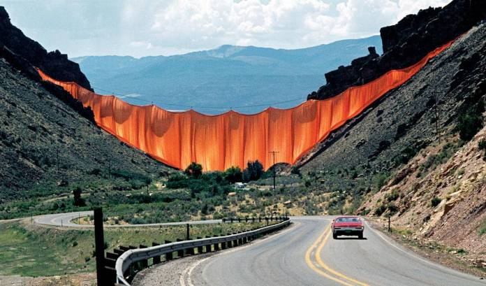 03 christo Valley Curtain