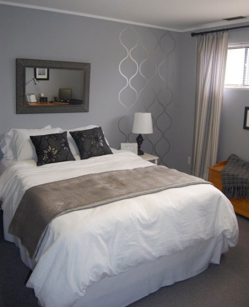 simple-small-section-of-stencil-on-a-bedroom-wall-as-accent-532x800