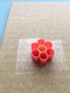 ストローで作ったアイロンビーズのお花