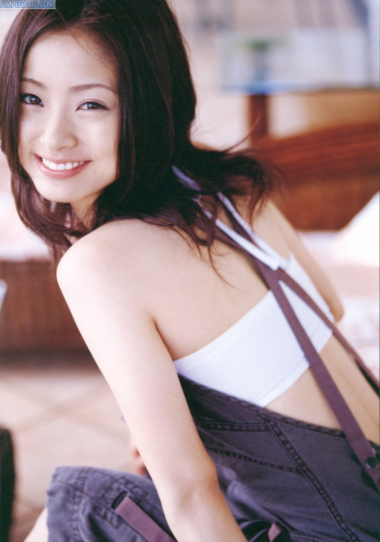 2 7 Padahal Usianya Udah gak muda lagi tapi kecantikan dan keseksian Artis Jepang ini masih awet