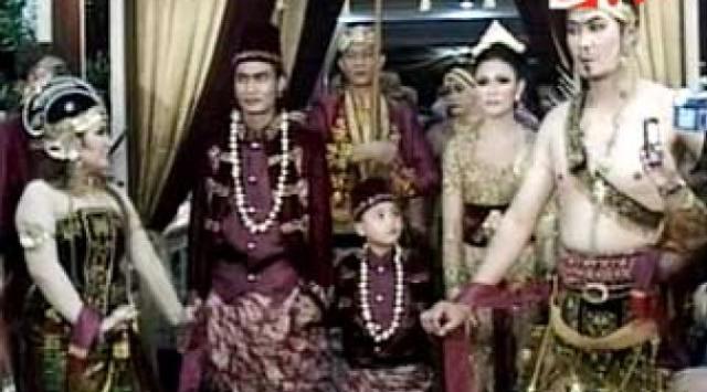 44 2 5 Acara Khitanan Anak Artis ini Mewahnya ngalah ngalahin pesta Pernikahan