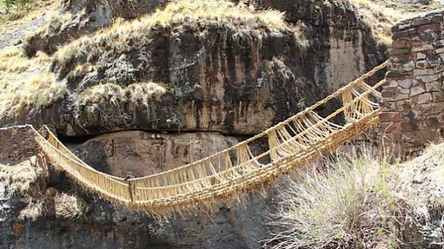 6 11 10 Jembatan ini Bikin Kamu deg degkan Melewatinya, Seram Abis!
