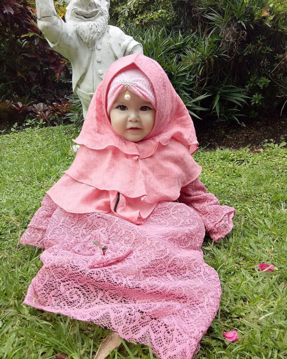 6 43 Naura Alaydrus, Bayi 1 Tahun yang Hits Karena Hijabnya, Seperti ini 12 Potret Lucunya, Gemesin Banget