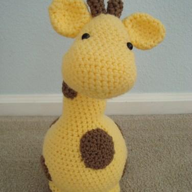 http://www.ravelry.com/patterns/library/gigi-giraf