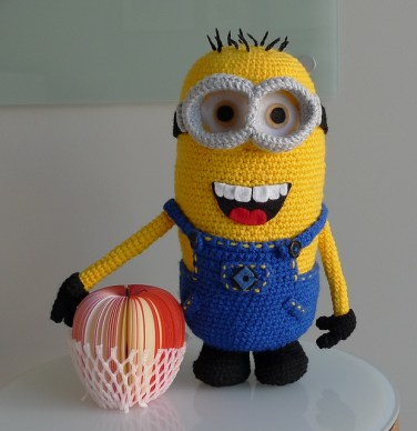 http://www.ravelry.com/patterns/library/despicable-me-minion-2