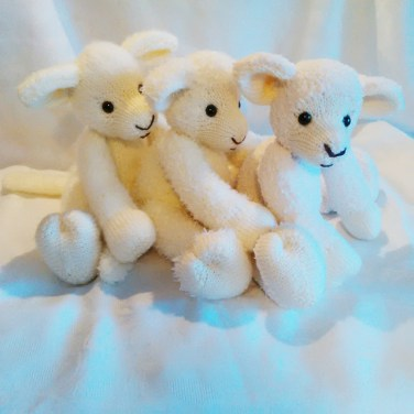 http://www.ravelry.com/patterns/library/woolie-lamb