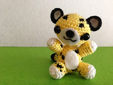 http://www.ravelry.com/patterns/library/leopardo-amigurumi