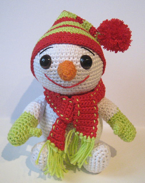 http://www.ravelry.com/patterns/library/the-little-snowman