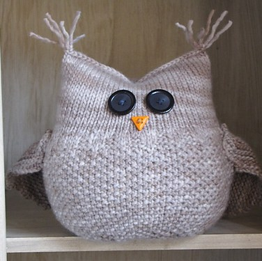 http://www.ravelry.com/patterns/library/the-guardian-owl