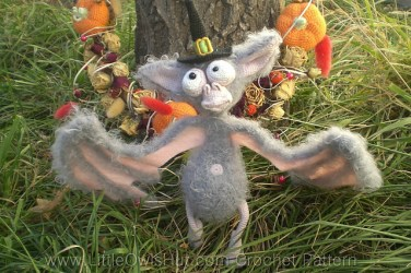 http://www.ravelry.com/patterns/library/033-bat-for-halloween-ravelry
