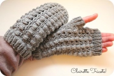 http://clairettetricote.wordpress.com/2013/12/05/les-mitaines-pastille-pastille-mitts-tuto-inside/