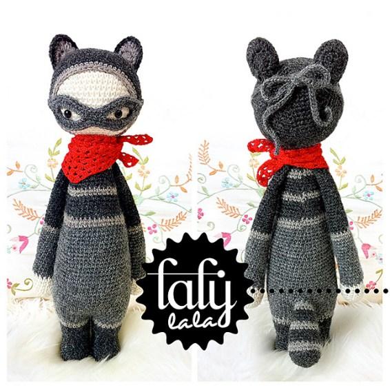 http://www.ravelry.com/patterns/library/roco---lalylala-crochet-pattern-n-x---raccoon