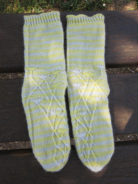 http://www.ravelry.com/projects/cinderella1982/pissenlits