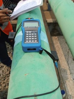 Clamp-On TDS 100F Flow Meter